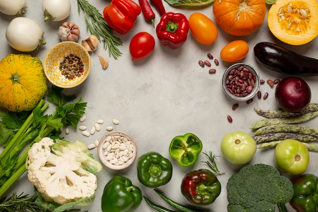 Композиция из свежих овощей с копией пространства Premium Фотографии