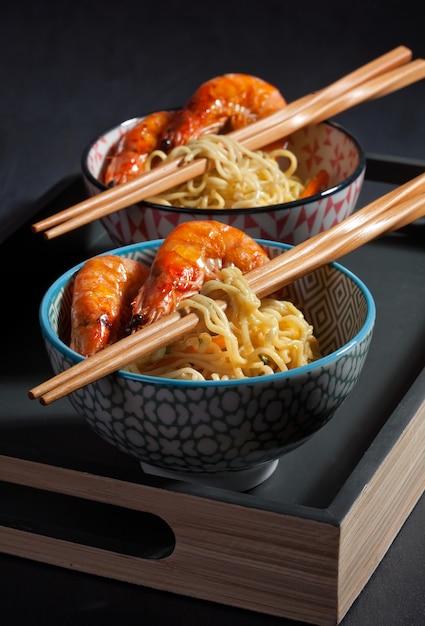 Freshly cooked instant noodles. asian cuisine Premium Photo