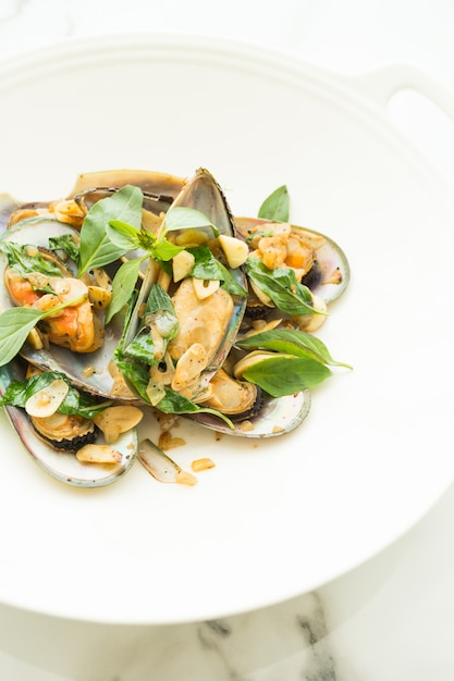 Fried mussel Free Photo