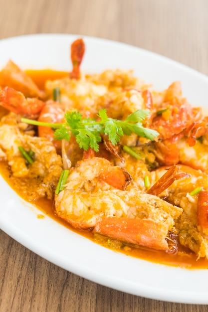 Fried prawn and shrimp with garlic Free Photo