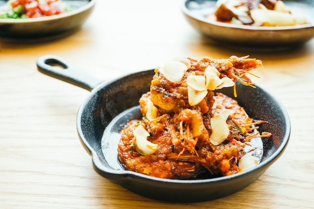 Fried prawn with garlic Free Photo