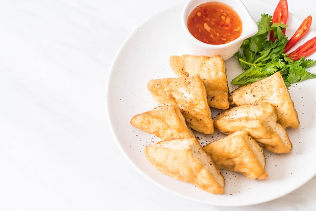 Fried tofu - vegan food Premium Photo