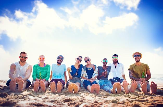 Friends beach vacation party chilling concept Premium Photo