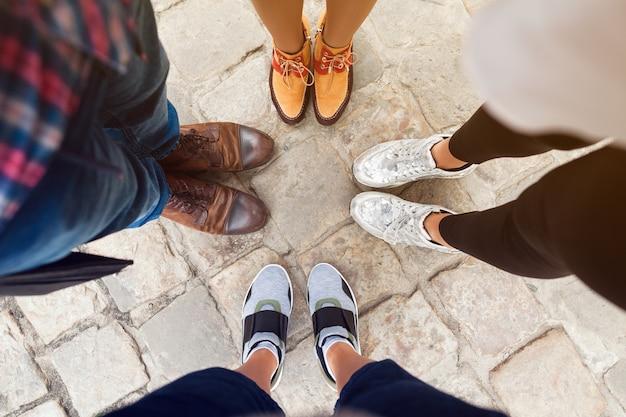 Друзья в другой обуви Бесплатные Фотографии