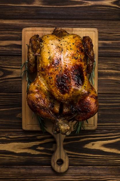 Da sopra pollo a bordo Foto Gratuite