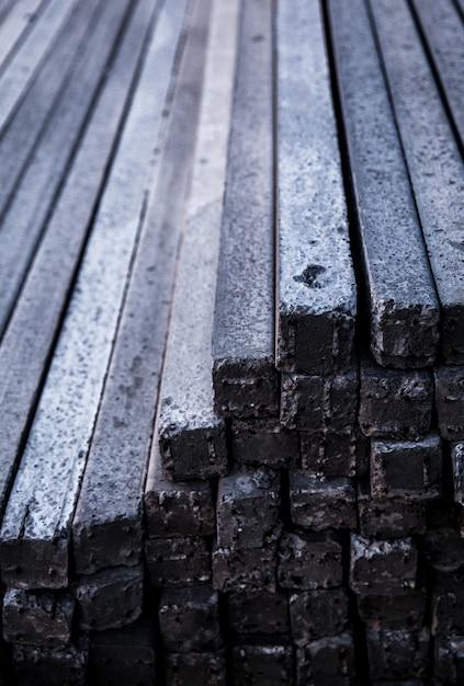 コンクリートポールパイルの正面図と側面図 Premium写真