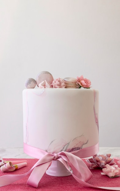 Front view of birthady cake with copy space Free Photo