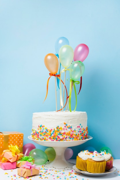 Front view birthday arrangement with colorful balloons Free Photo