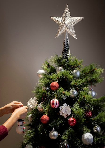 Front view christmas tree with star decoration Free Photo
