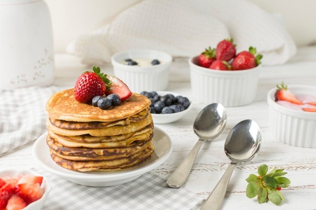 Front view delicious breakfast Free Photo