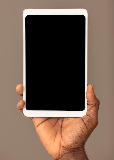 空の画面と正面のデジタルタブレット 無料写真
