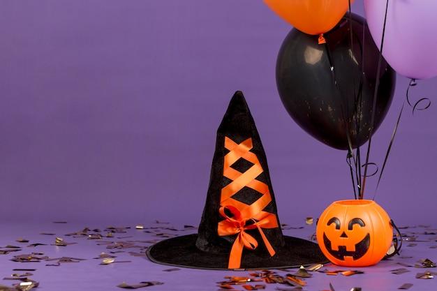 Vista frontale del concetto di halloween con copia spazio Foto Gratuite