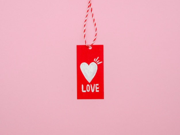 Front view of hanging love tag Free Photo