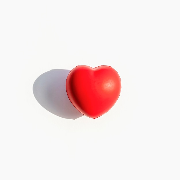 Front view of heart shape with shadow Free Photo