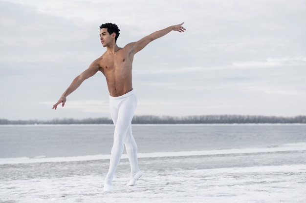 Front view male dancing ballet Free Photo