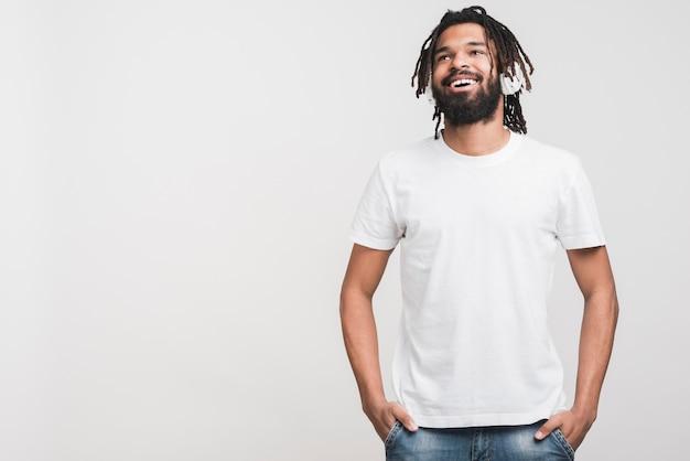 Front view man in white tshirt Premium Photo