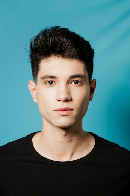 Front view of man with straight face Premium Photo