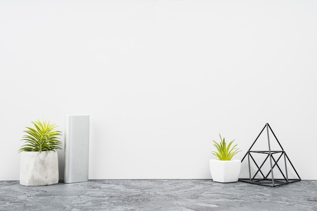 Front view minimalistic office desk decor Free Photo