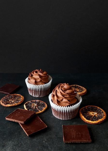 おいしいカップケーキコンセプトの正面図 無料写真