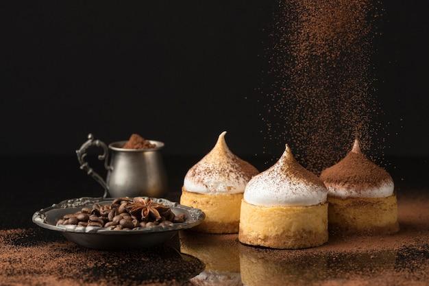 Вид спереди десертов с порошком какао Бесплатные Фотографии