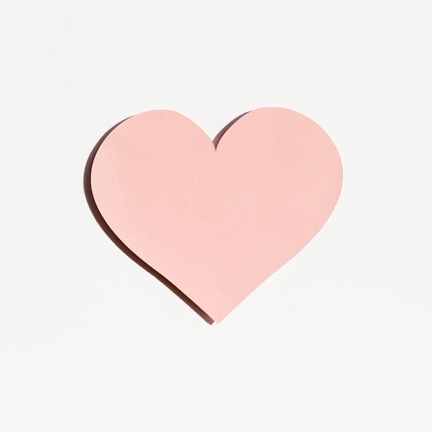 Vista frontale della forma di cuore di carta Foto Gratuite