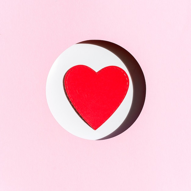 Vista frontale del cuore di carta Foto Gratuite