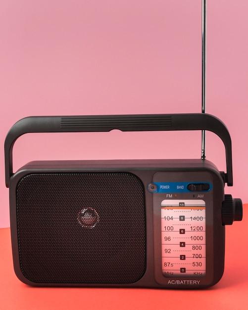 Ретро радио, вид спереди Бесплатные Фотографии