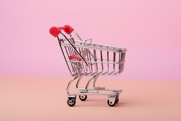 Front view of shopping cart Free Photo
