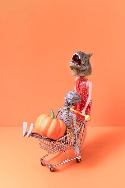 Вид спереди жуткие хэллоуинские игрушки Бесплатные Фотографии