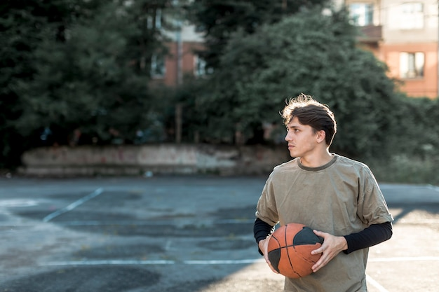 Front view urban basketball player Free Photo