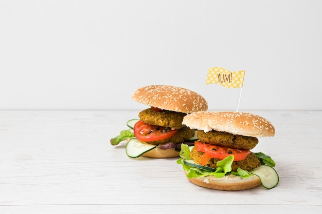 Front view veggie burgers with copy space Free Photo