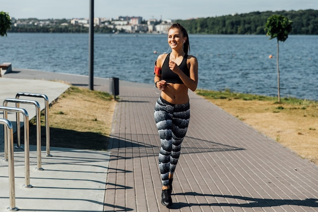 Front view of woman training Free Photo