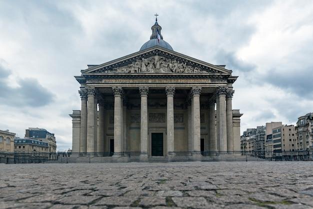 Фронтальный вид пантеона города парижа Premium Фотографии
