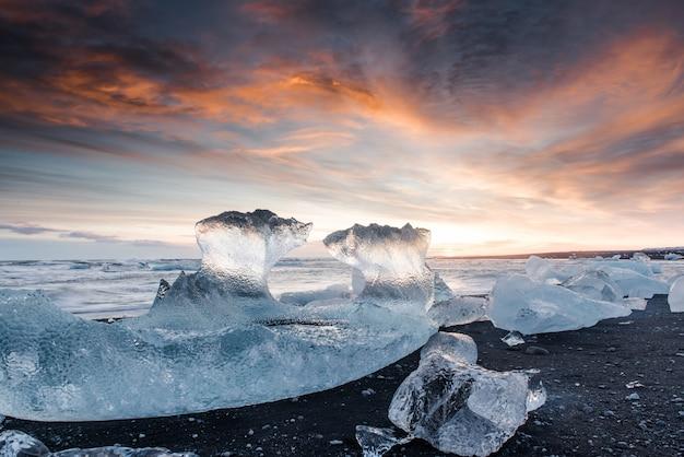 Frozen beach in iceland Premium Photo