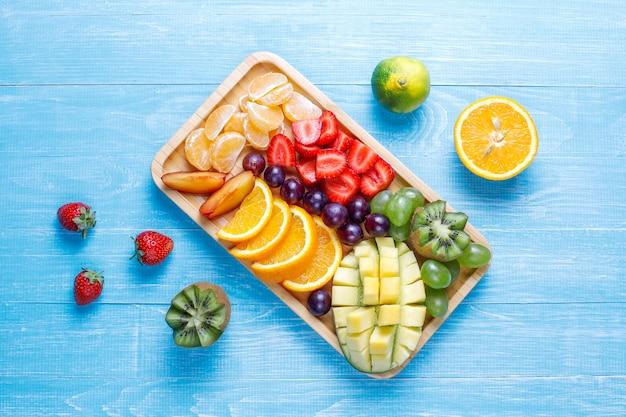 Ассорти из фруктов и ягод, веганская кухня. Бесплатные Фотографии