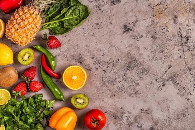 비타민 C가 풍부한 과일과 채소 프리미엄 사진