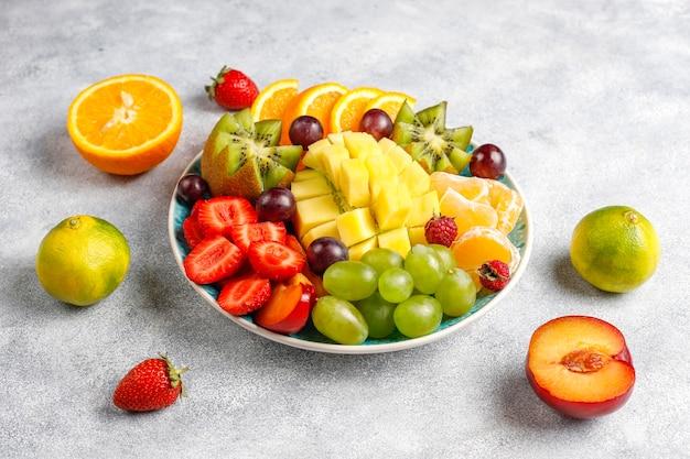 Fruits and berries platter, vegan cuisine. Free Photo