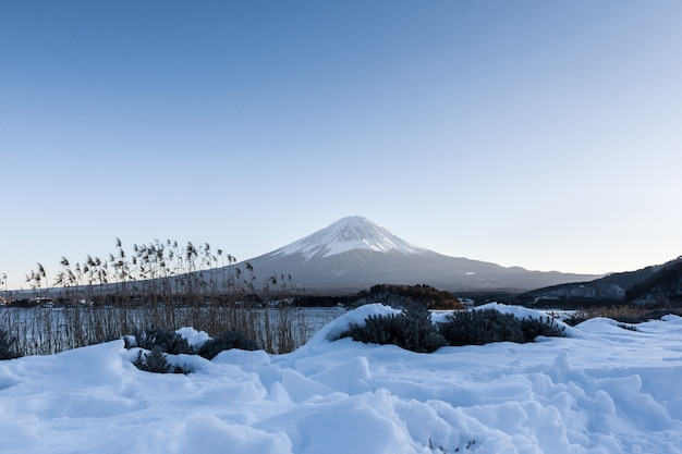 Fuji mountain at kawaguchiko lake in winter Premium Photo