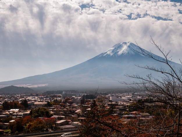 Fuji mountain view from chureito pagoda Premium Photo
