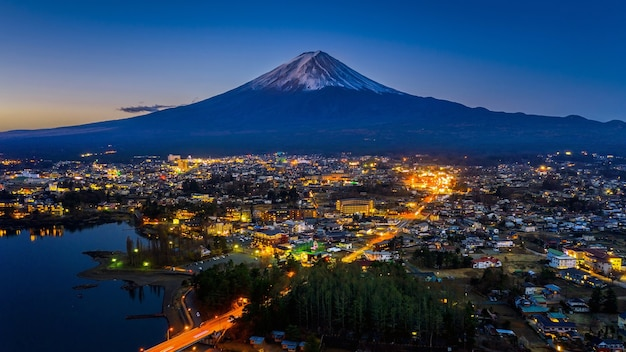 일본 후지산과 후지카와 구 치코시. 무료 사진