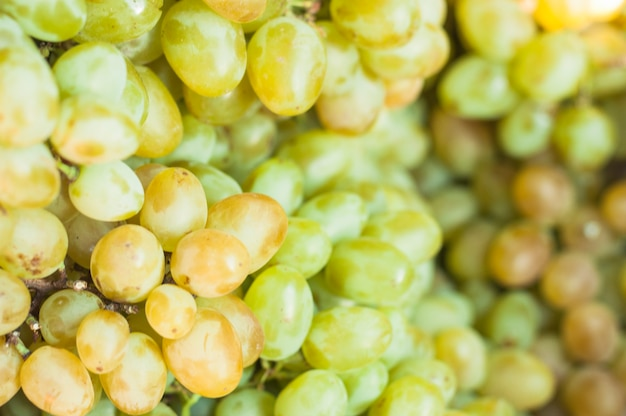 Full frame of green grapes Free Photo