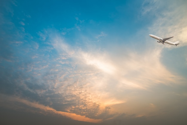 Полный кадр облака с самолета, пролетел над Бесплатные Фотографии