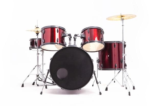 스튜디오 빈 흰색 배경이에 고립에서 전체 세트 레드 드럼 프리미엄 사진
