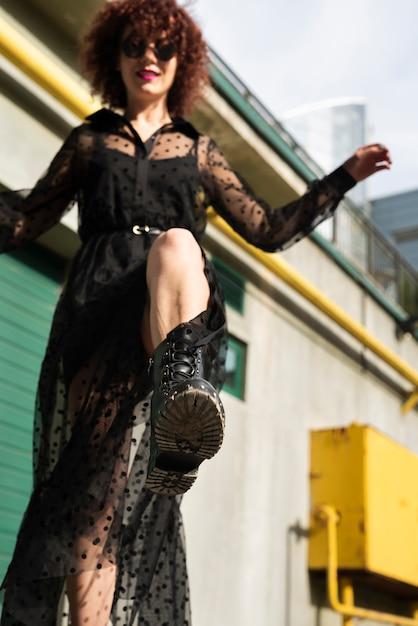 Full shot of trendy woman Free Photo