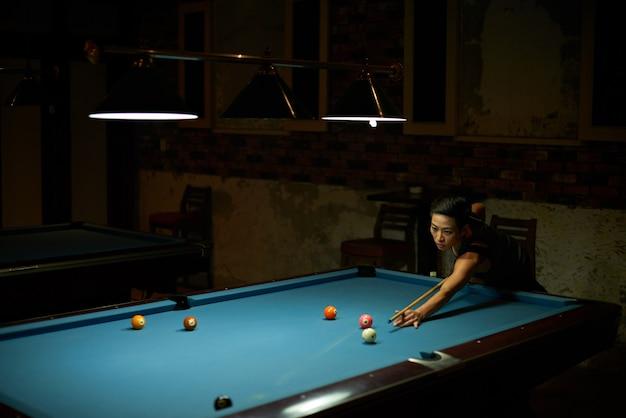 Game of billiard Free Photo