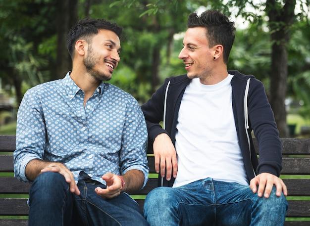 homofil dating ch Enfield hastighet dating