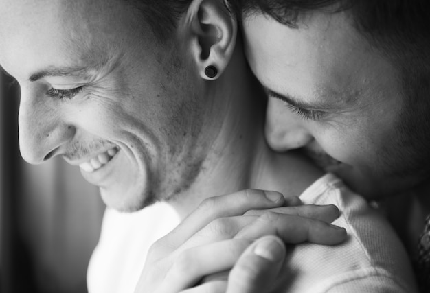 Gay couple spending the weekend together Premium Photo
