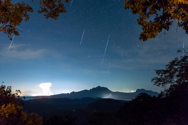 Geminids meteor shower Premium Photo