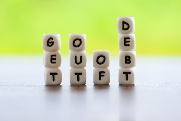 6 Tips to Get out of Debt