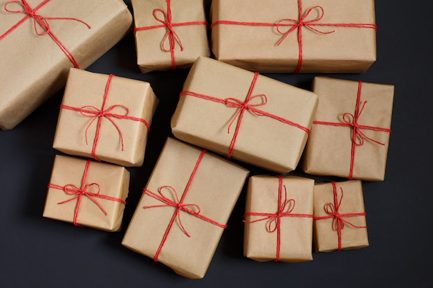 Gifts for friends and family. heap of boxes. Premium Photo
